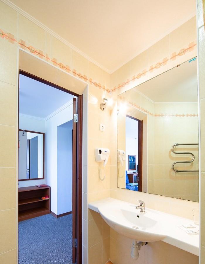 Туалетная комната Стандартного номера пансионата Южный парус
