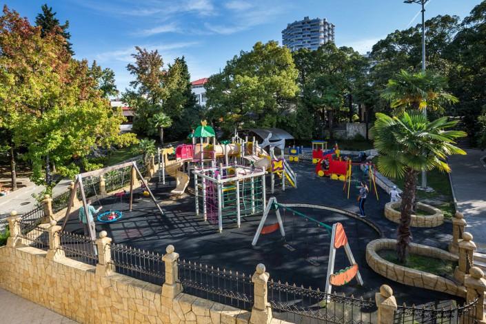 Детский игровой городок на территории санатория Заполярье