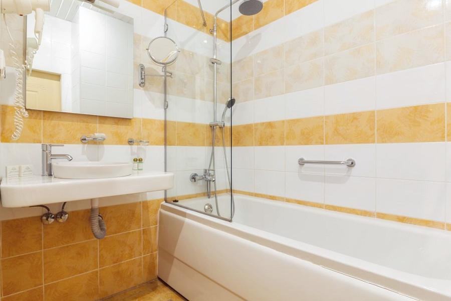 Туалетная комната Стандартного номера санатория Заполярье