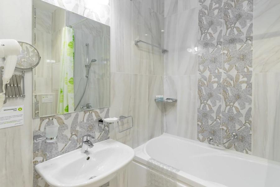 Туалетная комната Семейного номера санатория Заполярье