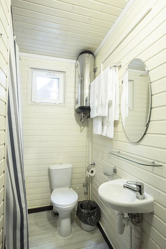 Туалетная комната номера Стандарт курортного комплекса Заря Анапы