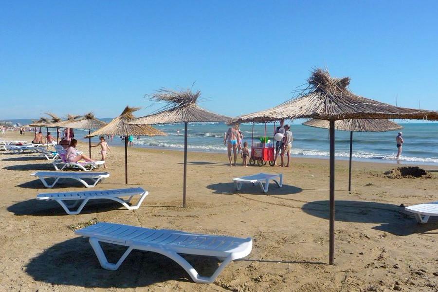 Пляж поселка Джемете