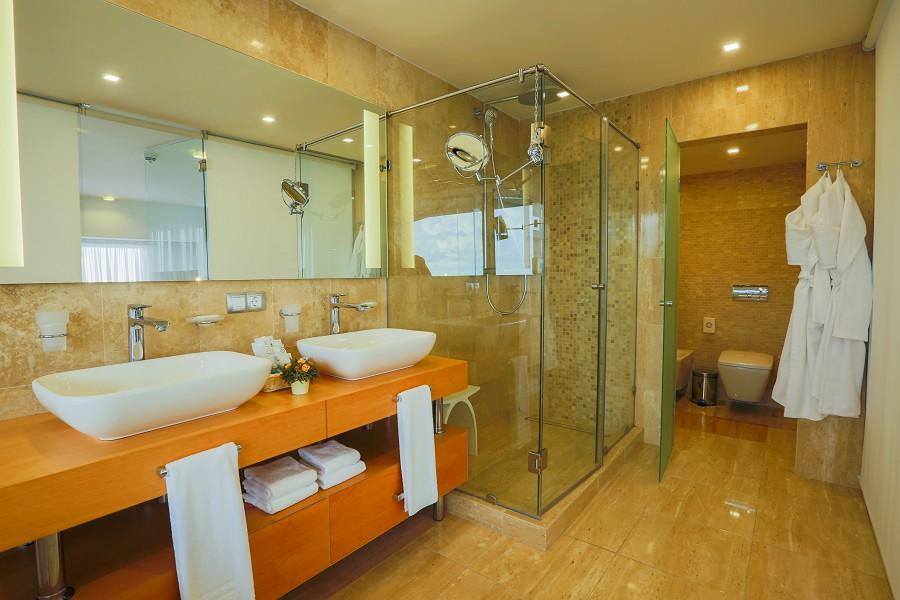 Ванная комната в Апартаментах гранд-отеля Жемчужина