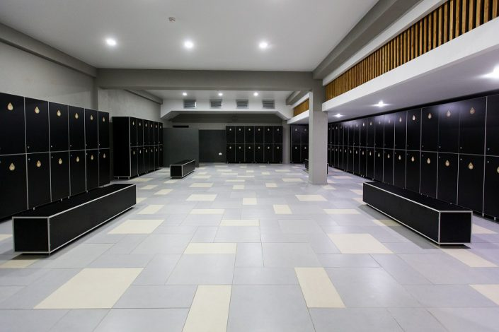 Комната для переодевания бассейна гранд-отеля Жемчужина
