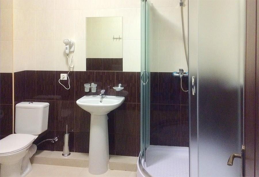 Туалетная комната номера Люкс спортивно-гостиничного комплекса Жемчужина