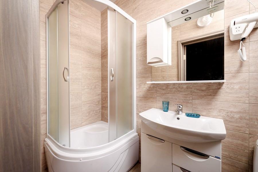 Туалетная комната Стандартного номера, корпус Вилла отеля Журавли