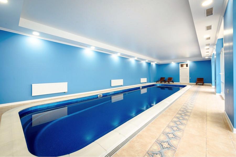 Крытый бассейн отеля Журавли