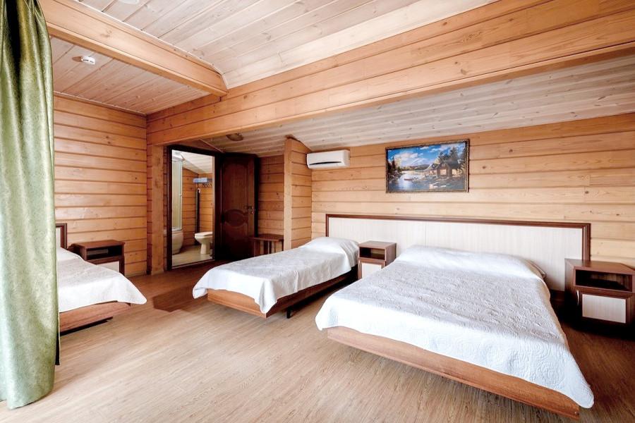Стандартный четырехместный номер, Деревянный корпус отеля Журавли