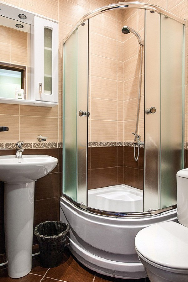 Туалетная комната в номере Стандарт ПК санатория Заполярье