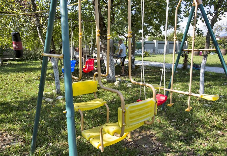 Детская игровая площадка на территории пансионата Белая речка