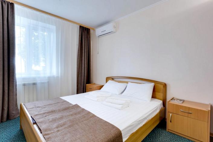 Спальня в коттедже санатория Золотой берег