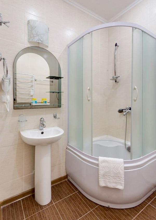 Туалетная комната номера Люкс, Корпус Графский санатория Золотой берег