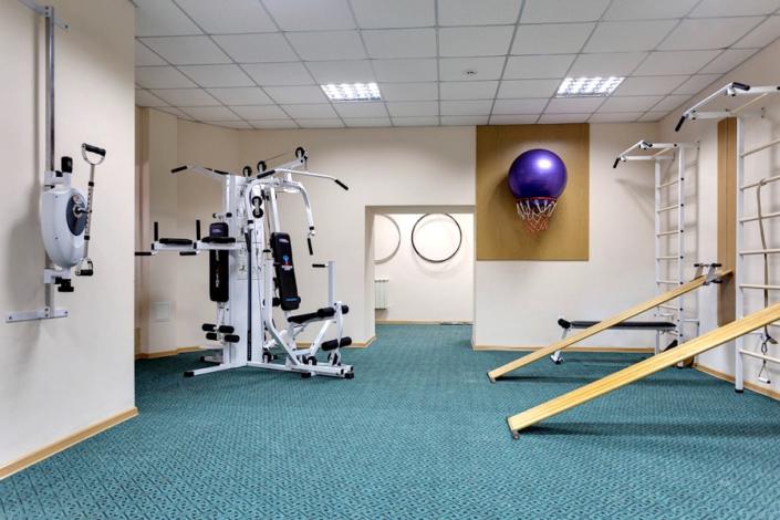 Зал лечебной физкультуры санатория Золотой берег