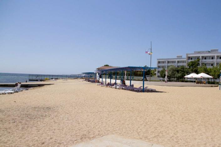 Пляж санатория Золотой берег