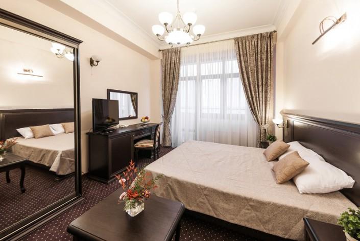 Стандартный Улучшенный номер с двуспальной кроватью в санатории Золотой колос