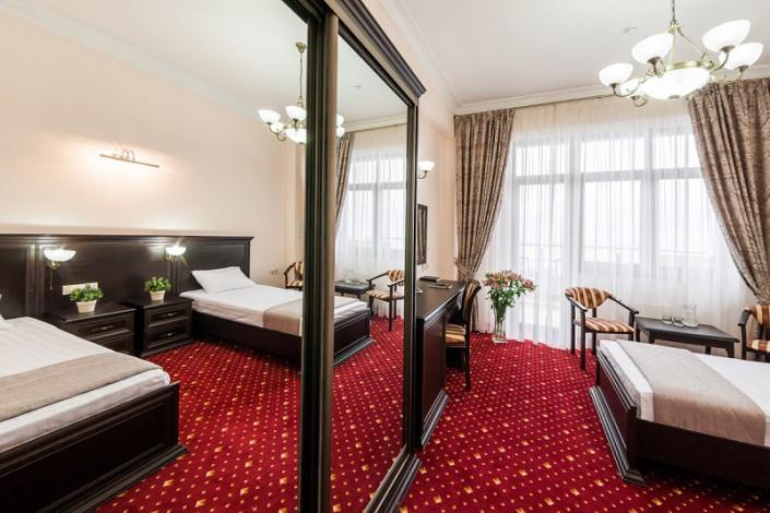 Стандартный Улучшенный номер с раздельными кроватями в санатории Золотой колос