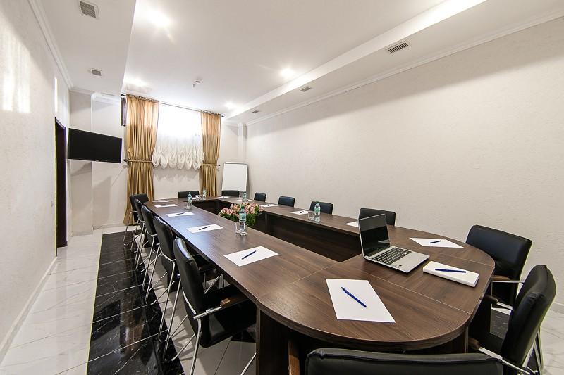 Переговорная комната в санатории Золотой колос